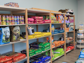 Dirty Dog Depot   Tega Cay, SC   dog and cat grooming and supplies   inside store, dog and cat food